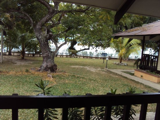 Pangkor Sandy Beach Resort : view from chalet porch