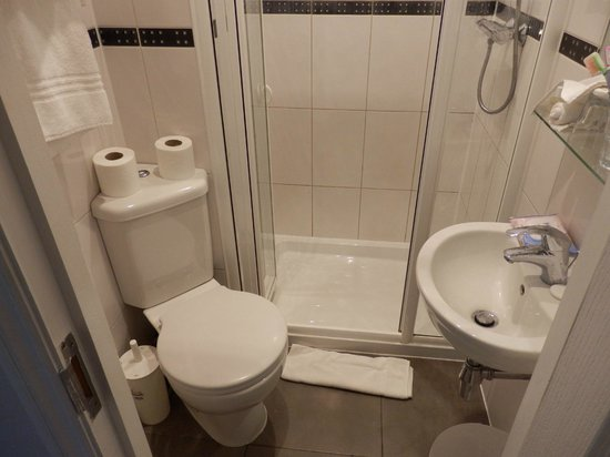 London House Hotel: Toilet