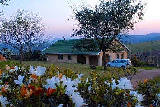 Thaba Tsweni Lodge & Safaris: Two Bedroom Chalet