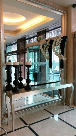 Turim Alameda Hotel: Hall
