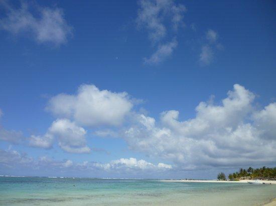 Ambre Resort & Spa: vista spiaggia da un ombrellone del resort
