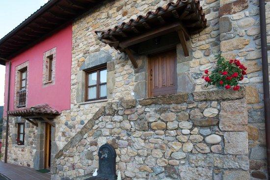 La Quintana De Romillo: Vista exterior de los Apartamentos La Quintana de Romilo