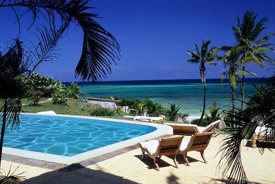 Alfajiri Villas: Garden Villa pool