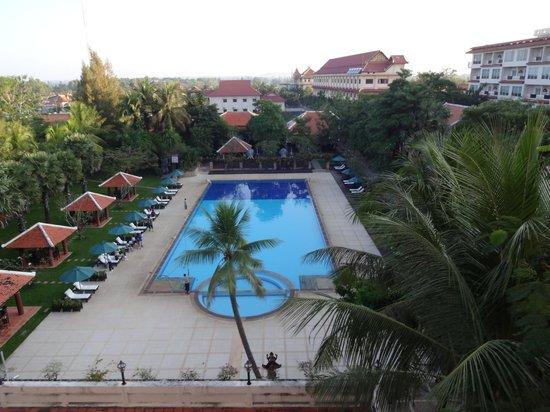 Royal Angkor Resort & Spa: Pool