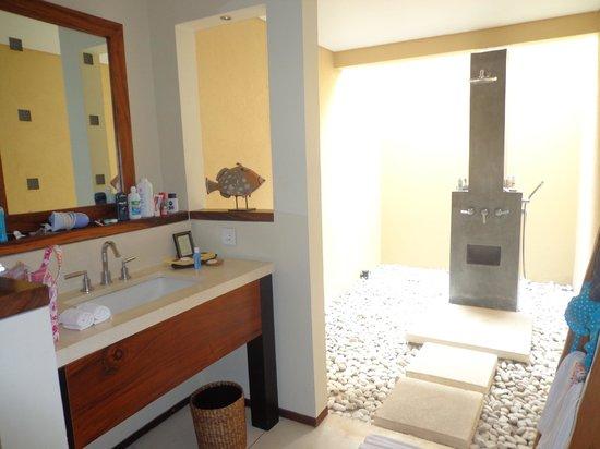 Qunci Villas Hotel: bathroom