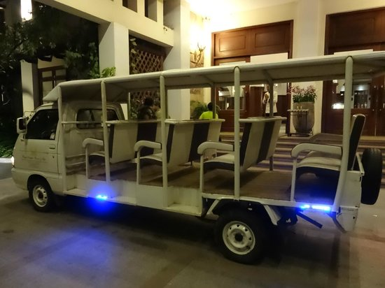 Royal Angkor Resort & Spa: Hotel transport