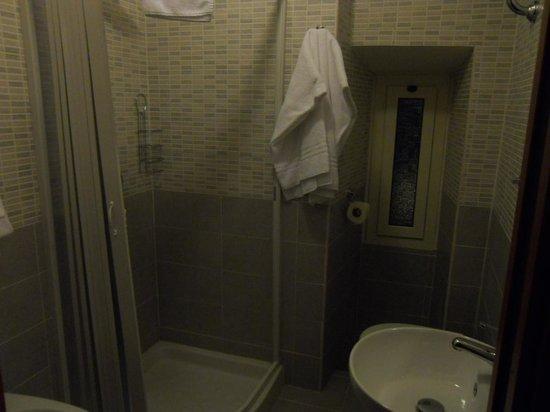 MF Hotel : salle de bain