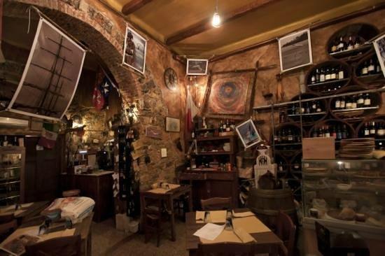 Vista interno del locale Toa degli Aranci