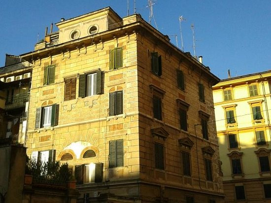 Colors Hotel : view of the palazzo where Hotel Colors is located