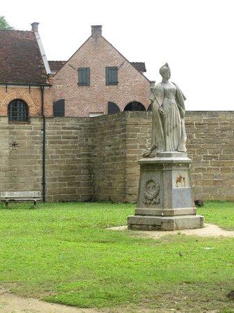 Fort Zeelandia with Queen Wilhelmina in front