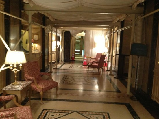 The Sherry-Netherland Hotel: hall
