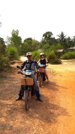 Khmer Ways - Moto Adventures Day Tours: Fun day of riding and adventure!