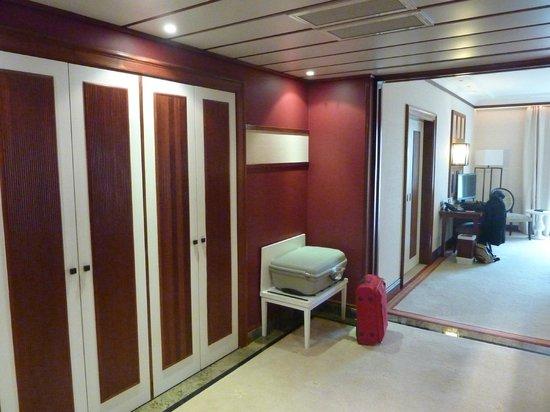 Grande Real Villa Italia Hotel & Spa : Entrée + chambre principale