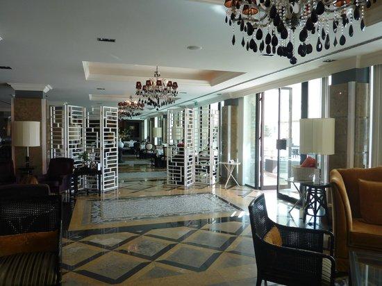 Grande Real Villa Italia Hotel & Spa: Aperçu salle de restaurant
