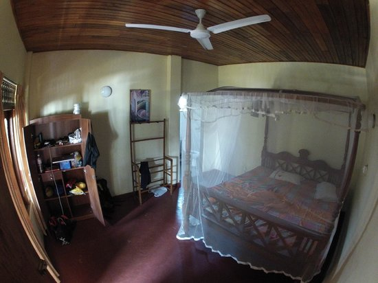 Rathna Guesthouse: Zimmer