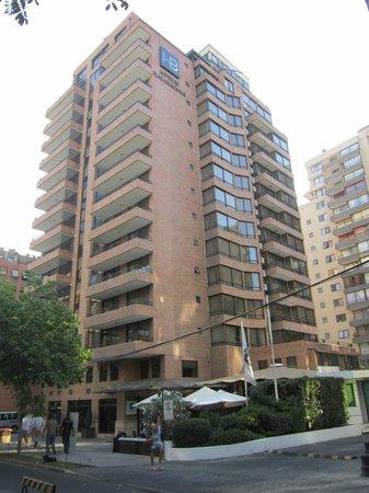 Plaza El Bosque San Sebastian: Hotel Exterior