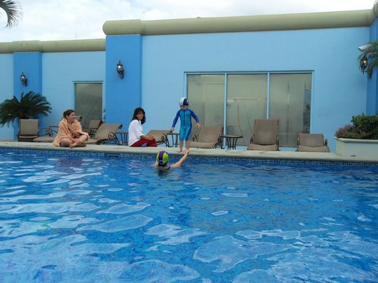 Tegucigalpa Marriott Hotel: jumping in