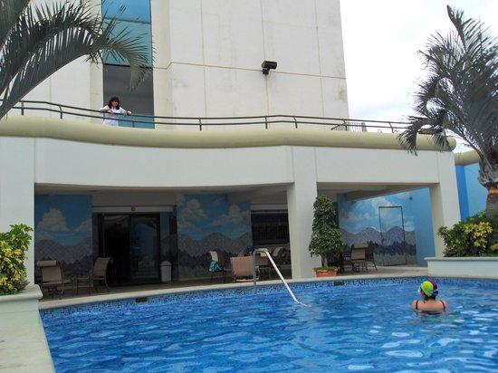 Tegucigalpa Marriott Hotel: taking it all in