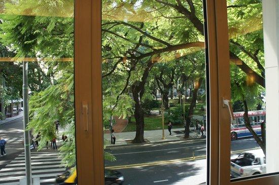 NH Buenos Aires Crillón: Vista do Salão de Café
