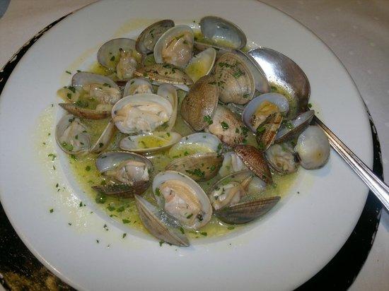 Almejas a la sartén - Restaurante LA TUCHO (Santander)