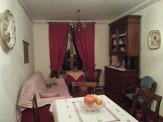 B&B Ripa Medici Rooms with a View: sala