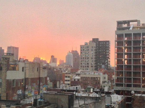 Hotel on Rivington: Sunset view from my room on the 10th floor