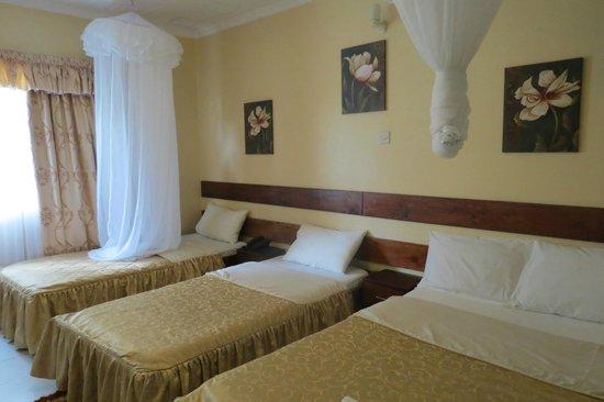 Covenant Guest House : 2x Single plus Double room