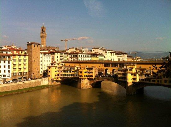 Borgo San Jacopo: vista su ponte vecchio...