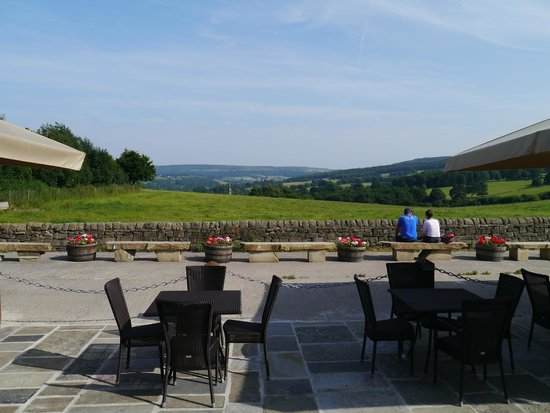 Chatsworth Estate Farm Shop Cafe: The view across the estate from the restaurant