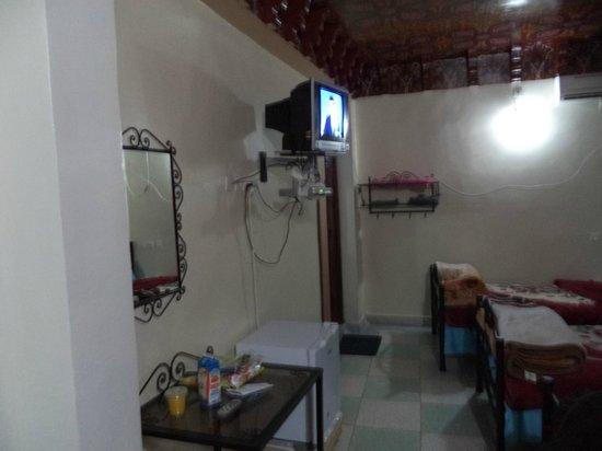 Bab Al Madina : tv
