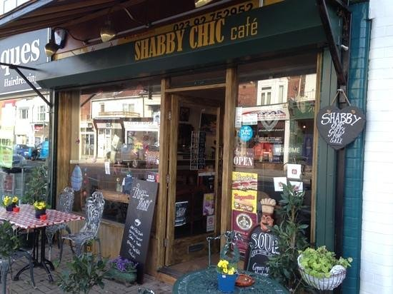 Shabby Chic Cafe: An Inviting Entrance