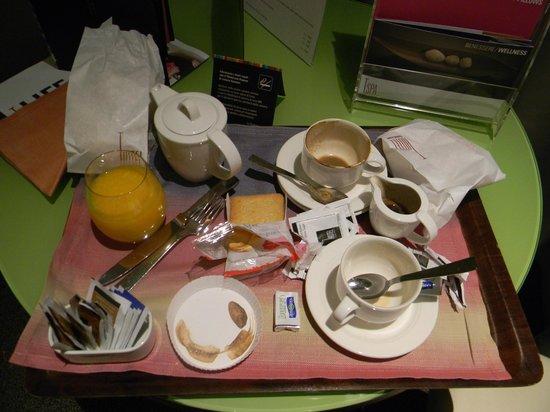 T Hotel: Colazione