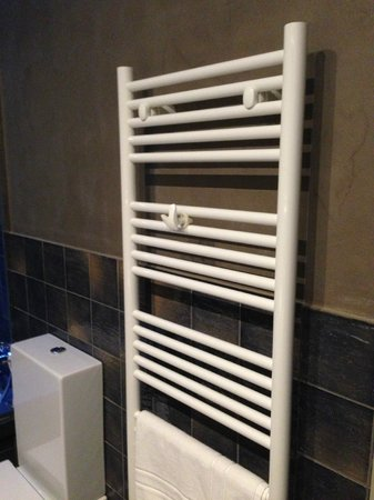 Classic Begur Hotel : Heated Towel Rack