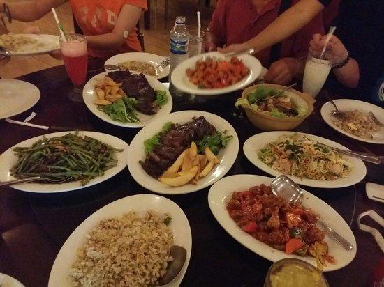 Restaurant Puri Bali Indah: Yummy dinner.