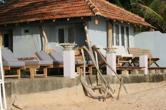 EKA Beach: Sun Loungers & Seating