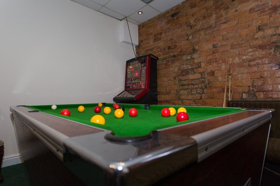 New Osborne Hotel: Games room with lots of options to keep children busy!