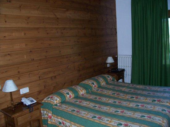 Garona Hotel: Habitación