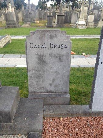 Cementerio de Glasnevin: *