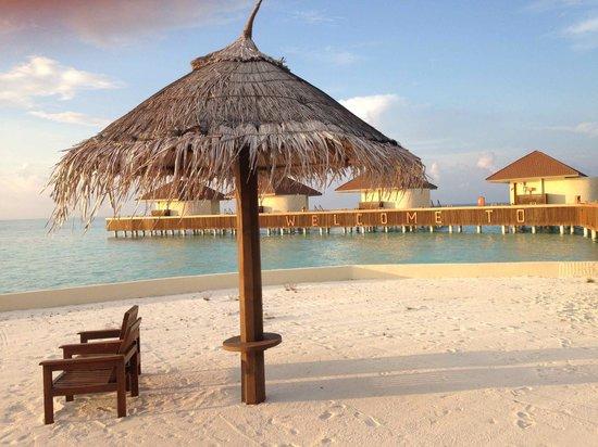 VOI Maayafushi Resort: Over Water