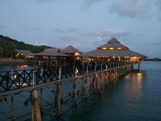 Nirwana Gardens - Nirwana Resort Hotel: Keylon restaurant is a must do