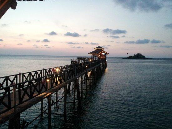 Nirwana Gardens - Nirwana Resort Hotel: Calypso bar is great to visit at Sunset