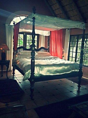 Timamoon: Main Bedroom
