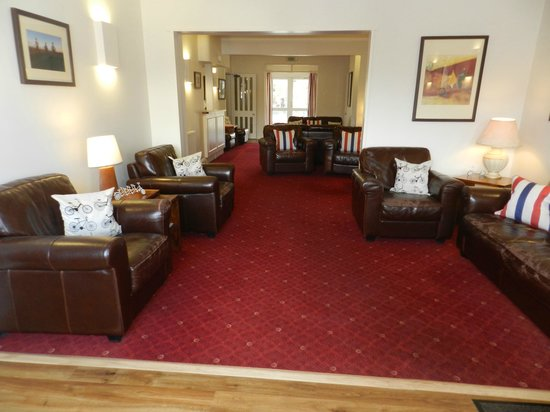 Penny Farthing Hotel: Lounge