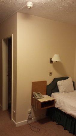 The Hunters Lodge: Inside the single room