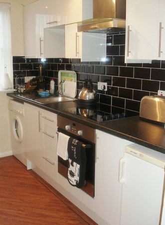 Calton Apartments: Fully equipped & fitted kitchen: including washer/dryer