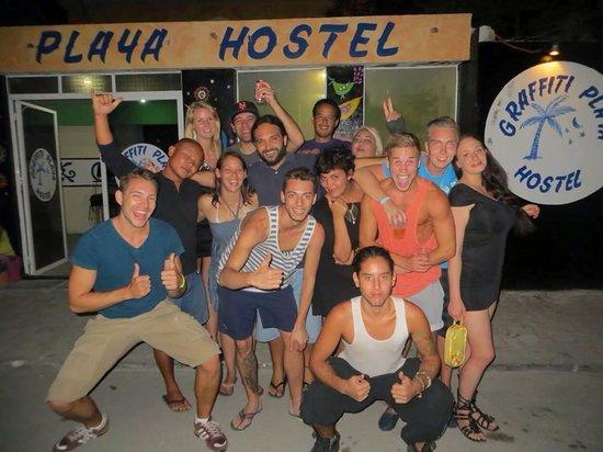 Graffiti Playa Hostel : Feriengäste inkl. Hotelpersonal
