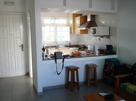 Bandama Bungalows: kitchen