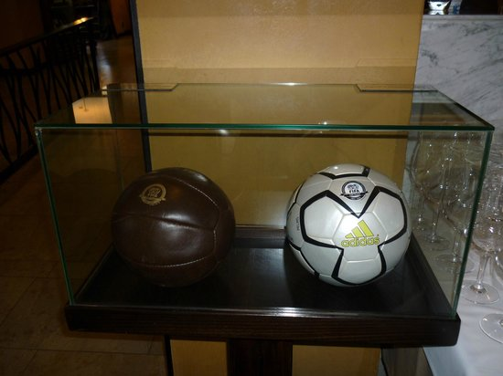 Madera: Two footballs. Old and new design.