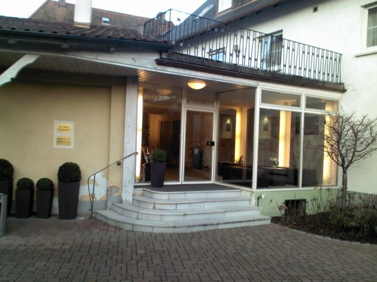 TOP Hotel Goldenes Fass: the entrance for the rooms in the Hotel Backside
