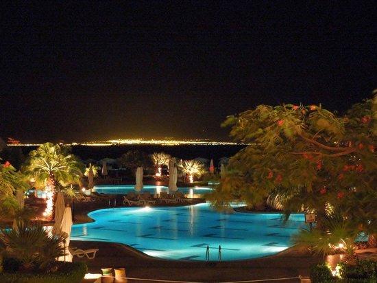 Strand Beach and Golf Resort Taba Heights : Огни Саудовской Аравии